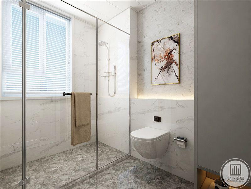 小卫生间采用干湿分离的设计,干区马桶为壁挂式,不形成卫生死角,地面铺设灰色花纹砖。