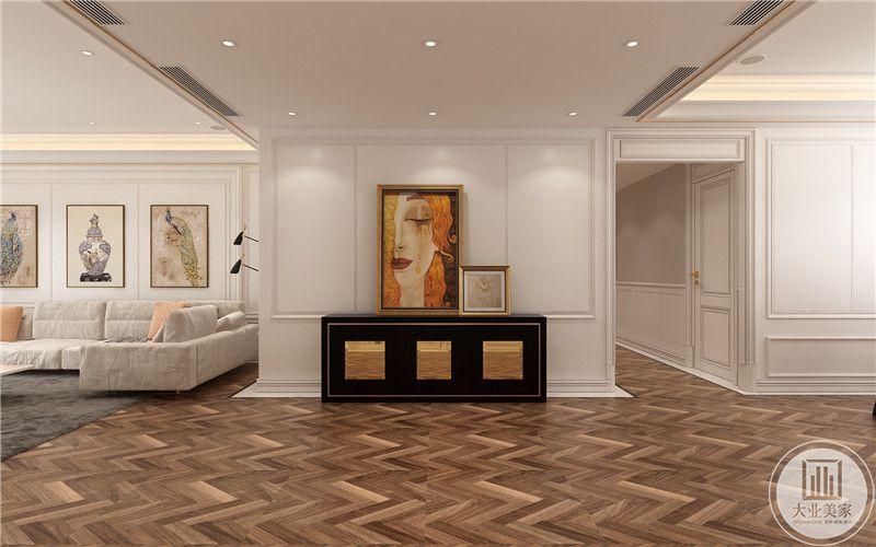 自由印象派画作,黑色典雅橱柜,色泽干净,空间无一丝杂乱,低调不失奢华。