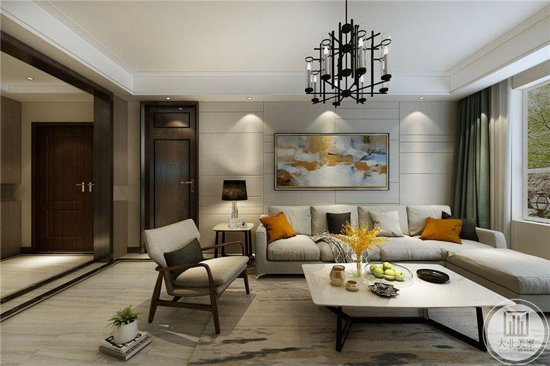 客厅沙发墙是一幅简约的装饰画,浅绿色的窗帘给这个空间添了一抹优雅。米色的布艺沙发看起来柔软舒适。