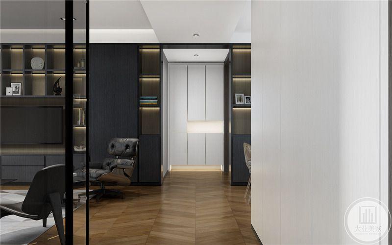 客厅 入户是纯白色的设计。