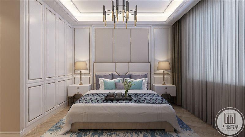 卧室正面来看十分端正秀丽。