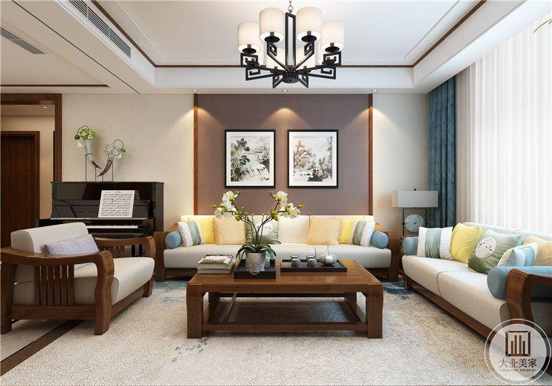 客厅沙发背景墙采用浅色浅紫色壁布,沙发茶几都采用实木材料,沙发一侧放置钢琴。