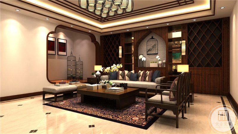 客厅以中式的拱门为设计理念,纤细的木制椅子十分雅致古朴。