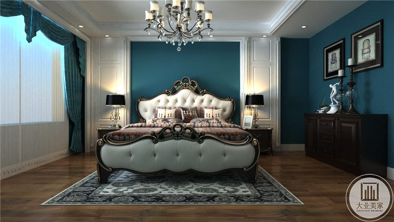 卧室是欧式的设计,明亮的蓝色使空间显得十分优雅。