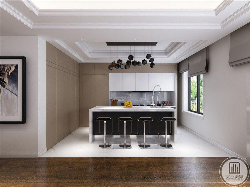厨房灶台部分橱柜采用白色,其余的部分采用浅黄色。