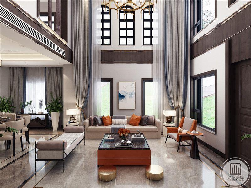 客厅地面采用浅色瓷砖,沙发墙上玄挂中式风格,橘色茶几台面采用大理石