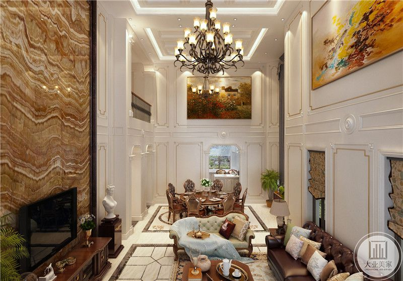 一二层的空间是一个挑空设计,二层的墙面都装饰了色彩妍丽自然地装饰画。