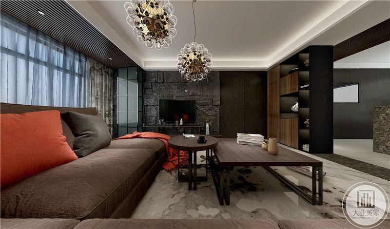 二层的客厅更加有现代主义的工业气息,棕红色的沙发与同色系的木质组合茶几显示浓郁的复古气息。