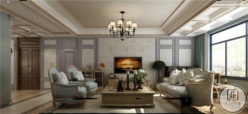 客厅影视墙采用白色壁布,搭配紫色欧式风格实木框架,电视柜采用实木材料。