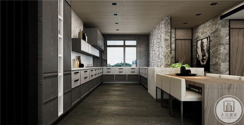 厨房做成开放式的,橱柜尺寸极大,收纳空间的增加使空间的利用率大大提高。