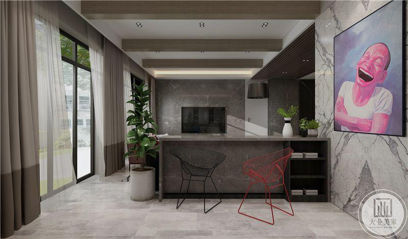 在沙发墙后设置了一个灰色大理石材质的吧台,没有选用观赏性较高的高脚椅,而是采用了几何抽象的铁艺编织椅,既简单又实用美观。
