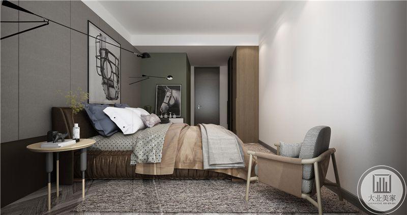 次卧布置简单,床,单人沙发,床头置物架等简单的家具组合十分协调。