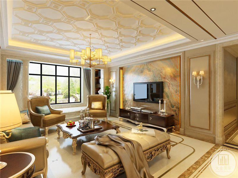客厅电视墙是带彩色纹路的大理石板材。