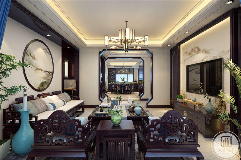 从这里可以看到客厅和餐厅的布局装饰。