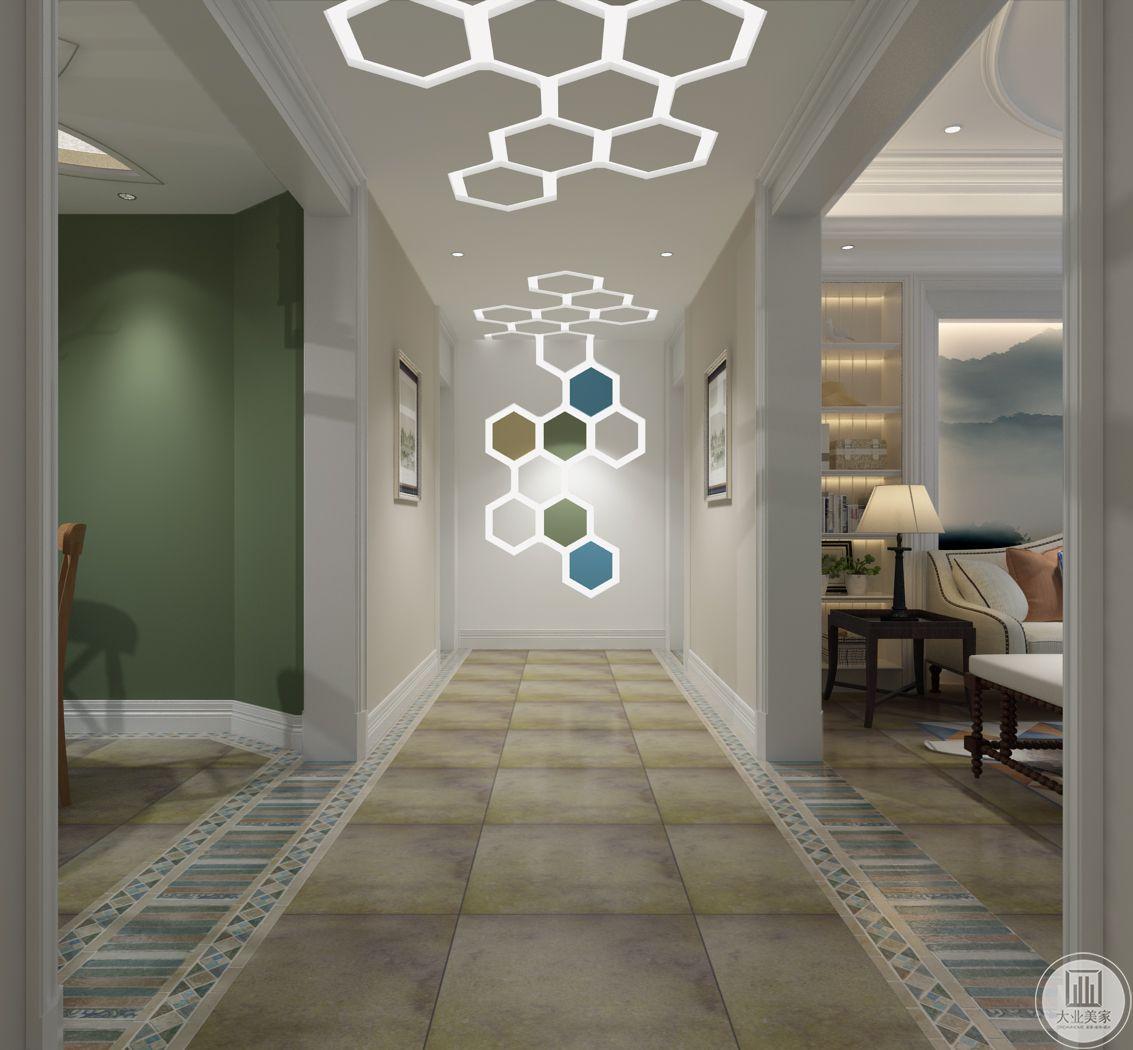 走廊尽头是几何体的装饰物。