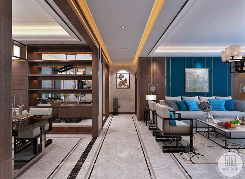 从走廊角度可以看到尽头的装饰画和鸟笼状的装饰物。