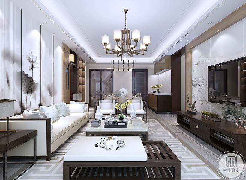 客厅影视墙采用白色瓷砖,电视柜采用红木材料,地面铺浅色木地板,搭配白色地毯。