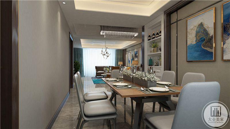 从这里可以看到餐厅和客厅整体布局。