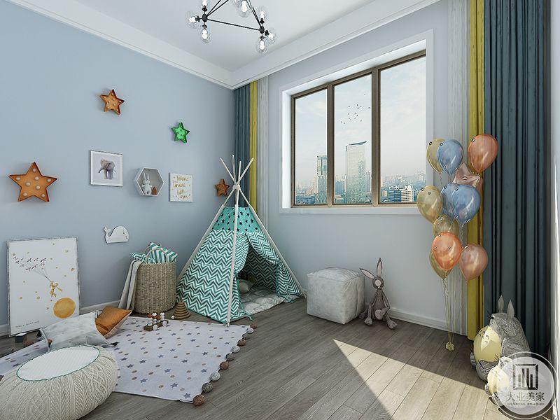 儿童玩具室是浅蓝色的色调,小帐篷,气球,星星装饰应有尽有,小朋友一定特别喜欢