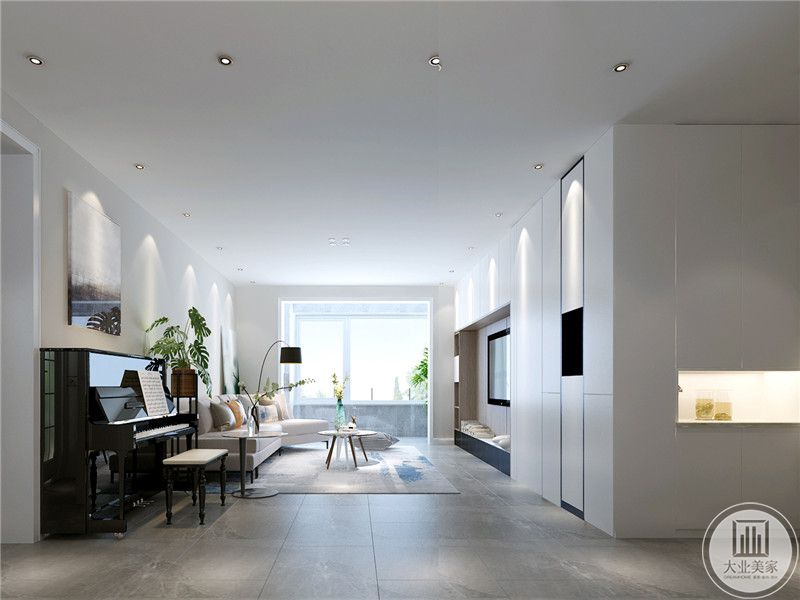 客厅采光极好,可以看见阳台处明亮的光线。在客厅的一角摆放了一架黑色的钢琴,显示出主人的文雅气质。