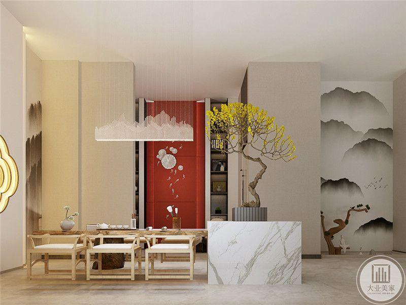 茶室是浅木色的桌案矮榻,摆件插花,中国风的美