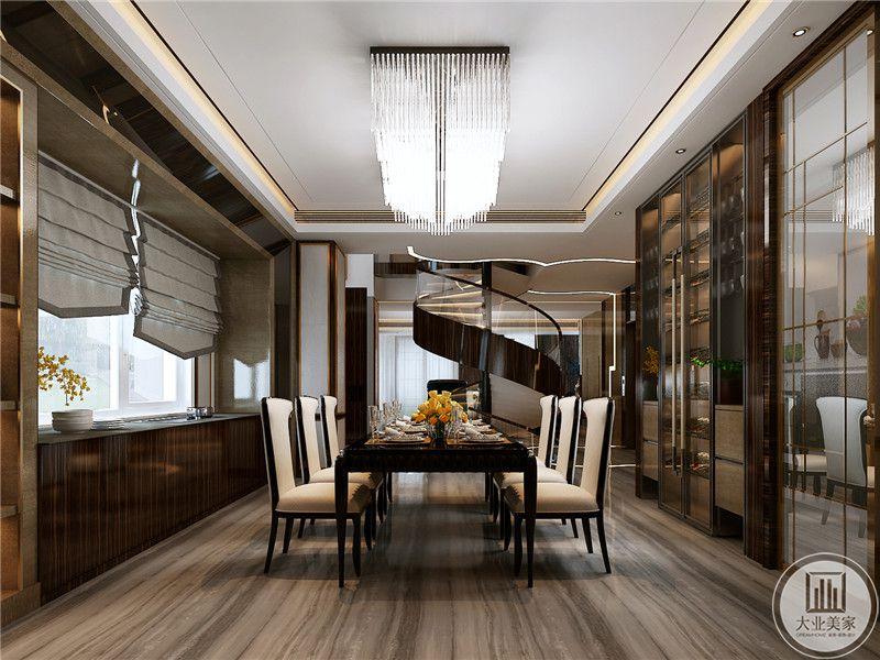 餐厅旁边就是旋转楼梯,这个旋转楼梯可谓是整个空间的点睛之笔