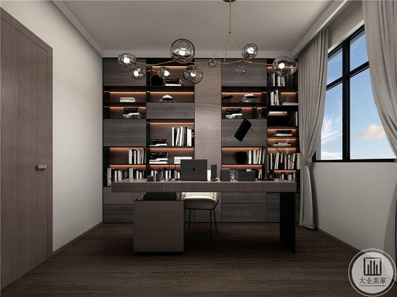书房设计的十分现代化,书桌和墙面的书柜都是采用了不规则和方块化的设计,奢华而富有现代感