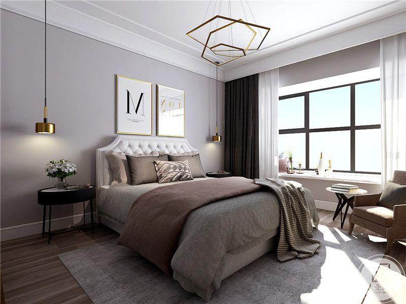 卧室主要采用了白色和灰色以及棕色为主色调,阳台布置成榻榻米的样式,放着插花和一些装饰摆件、在床角放了一个单人的懒人沙发和配套的小茶几,闲适时在沙发上就着自然光读书在适合不过。
