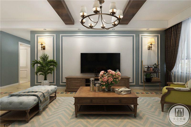 客厅电视强势简单的白色漆面,周围是烟灰蓝色的勾边,电视两侧摆放了大盆绿植和花艺爬架,两侧墙面上方均设置了小壁灯,可爱温馨