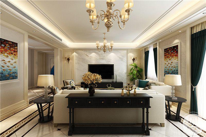 沙发后方是一个长条形的置物台,上面摆放着些小玩意儿,金色的花朵装饰与整体风格搭配。纯粹优雅
