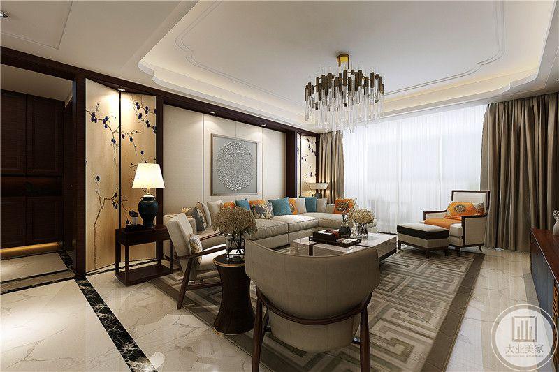 矮椅的对角是一个矮榻,棕色古纹的大地毯与方形的茶几以及管状的灯饰处于一条线上,十分有层次
