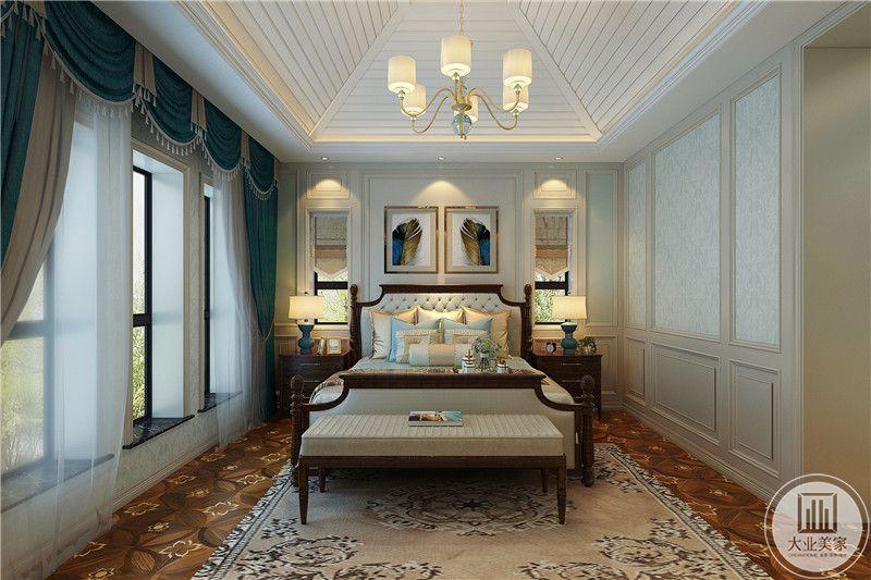 卧室是简约的美式,窗帘依旧是深蓝色,大大的落地窗搭配优雅的美式窗帘使整个卧室艺术感十足