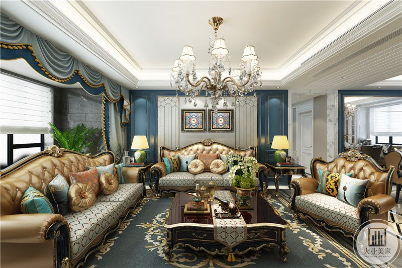 客厅是欧式的宫廷水晶大吊灯,奢华的橙棕色皮质铆钉大沙发,沙发墙设计成了优雅的白色和蓝色交织,更添优雅诗意