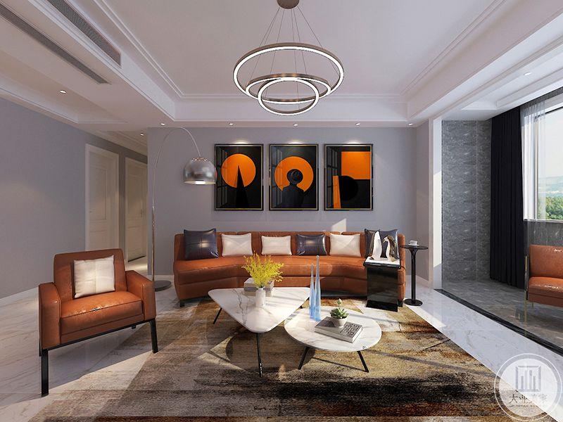 从正面来看,客厅的整体是暖色调的,洋溢着温暖气息