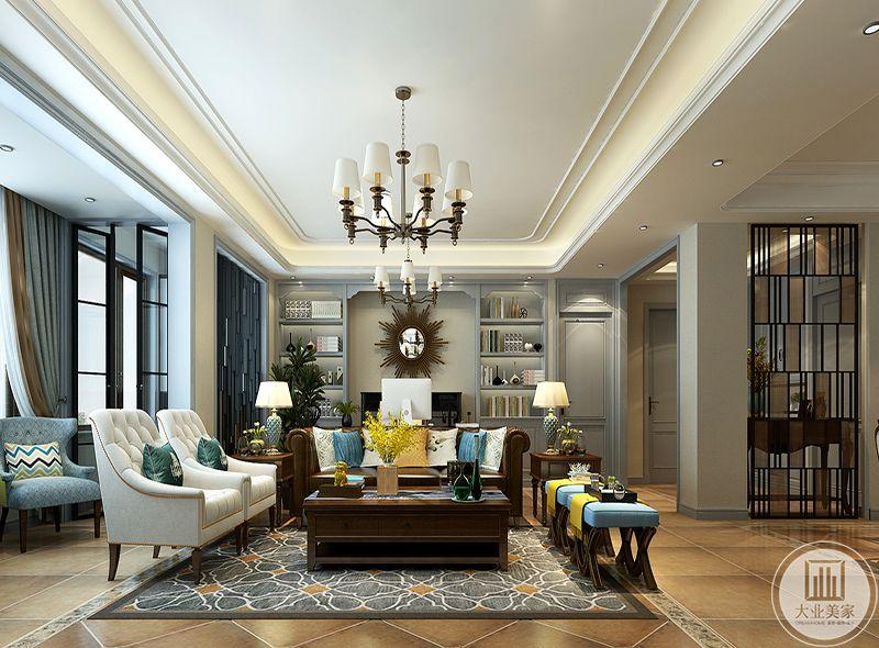 这个空间是一种和谐的不对称干,玄关与左侧的单人沙发形成了一种特殊的对称,格调瞬间拔高。