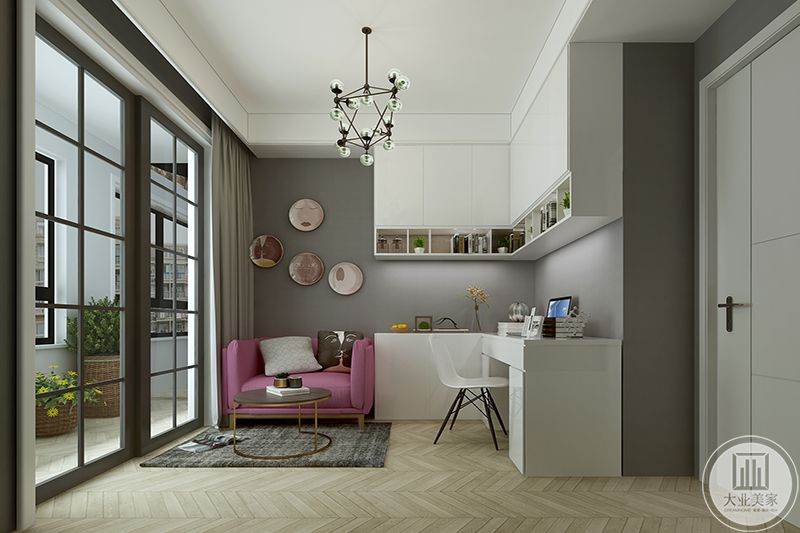 休闲室有顶置储物架和L型的书桌椅