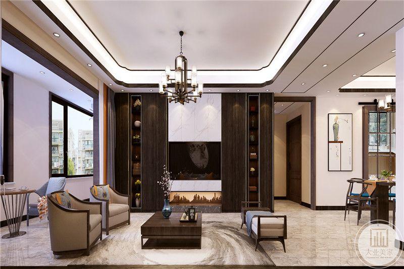 客厅背景墙是黑色的条纹设计,衣服白色的人脸挂画极富艺术感