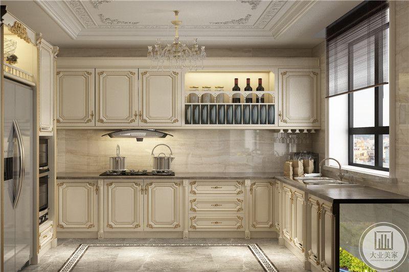 厨房十点啊形的法式风格,整体都是乳白色调