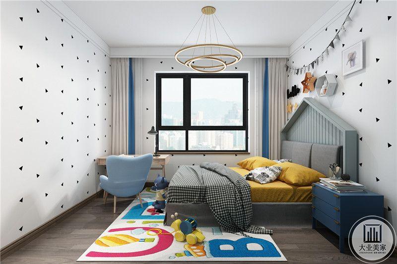 儿童房设计俏丽有趣,采用明亮的颜色,十分温馨