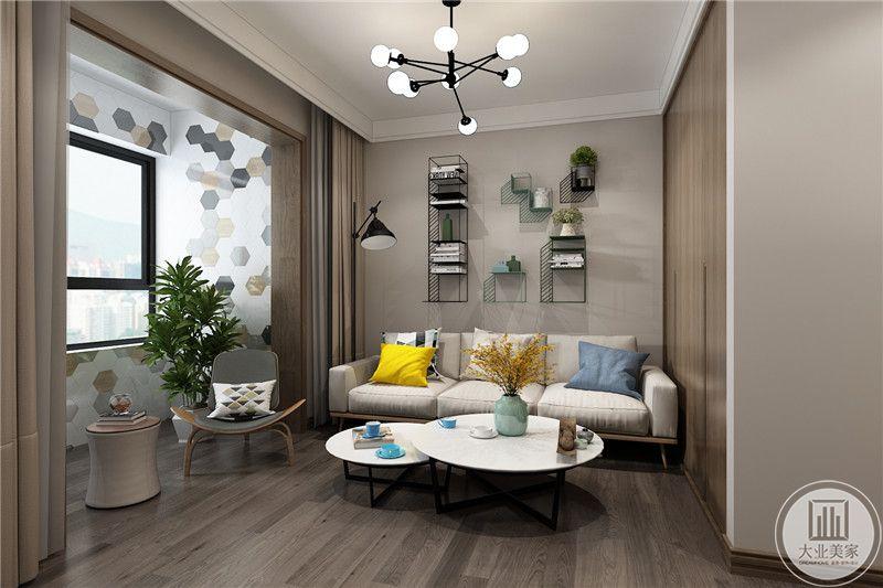 休息室设计的十分舒适,米白色的布艺沙发,圆形的组合沙发,木质的地板使这个空间显得十分舒适自然