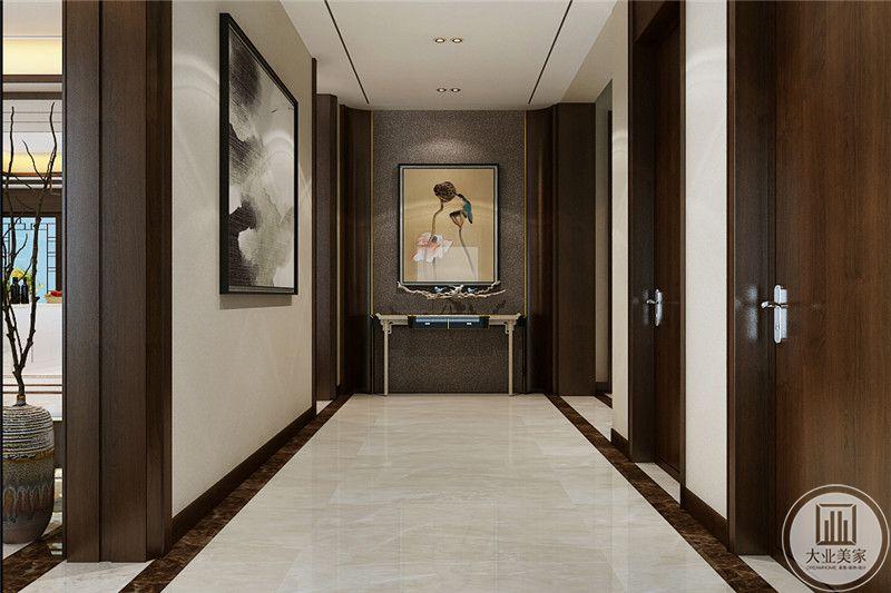 过道尽头是中式的挂画,优雅大气