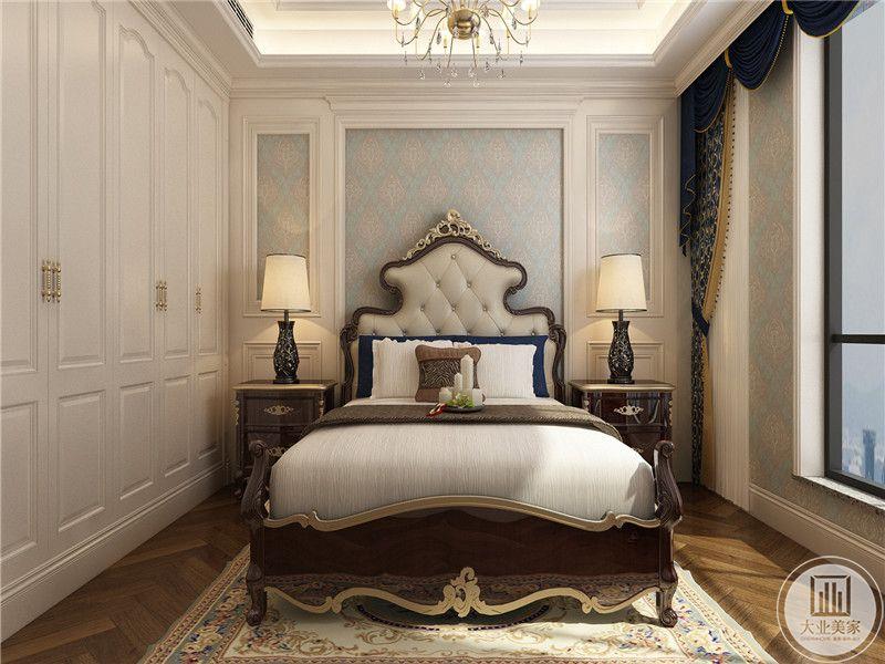 卧室一米白色为主色调