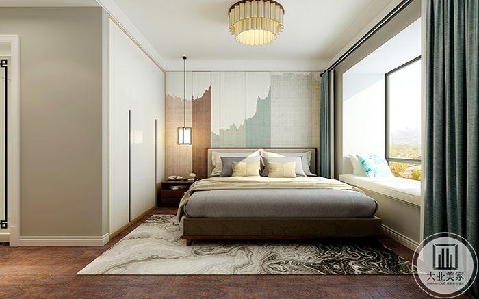 主卧室窗户设计的较大,明亮的光能照耀在床上,拉上窗帘,便生幽幽静感