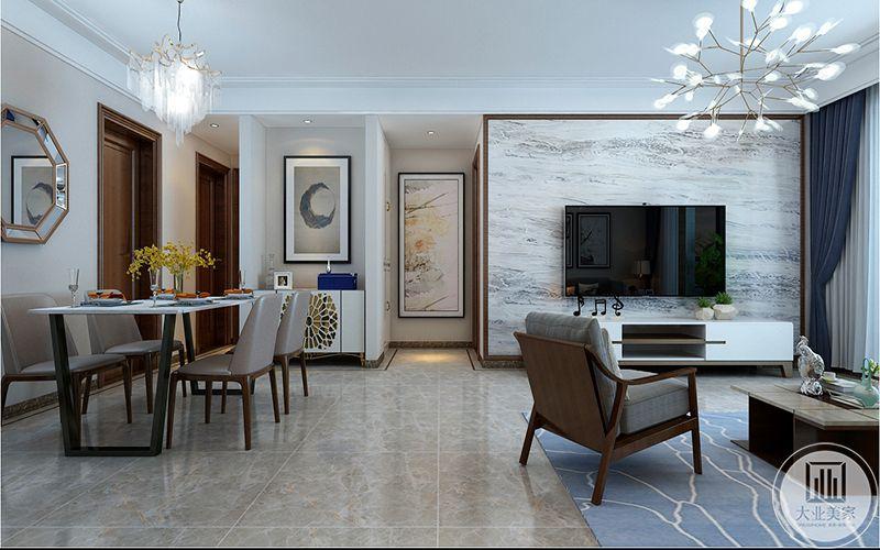 新建墙体,使影视墙与餐厅区域墙体对齐,预留装饰柜位置,让客餐厅更加整体方正。