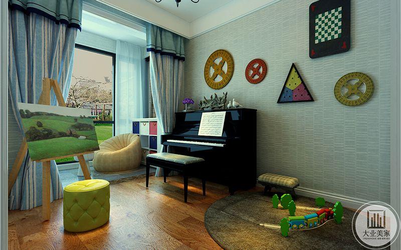 玩具房有钢琴画板和儿童玩具