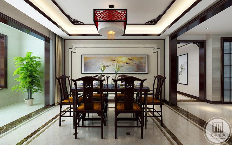 家庭使用的餐厅是一套六人桌椅