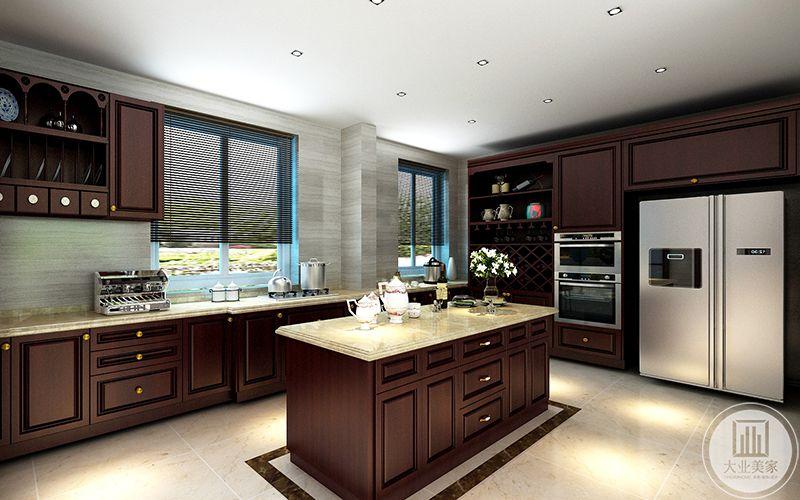 厨房空间按中式厨房及西式厨房划分,提高利用率