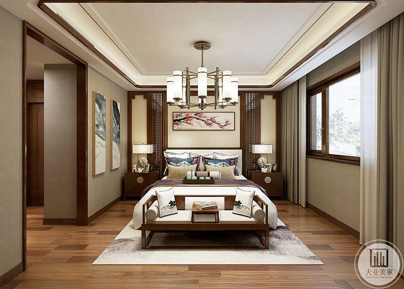 这间卧室是木色为主色调,床头背景墙是一个横幅的红梅图,木质地板上是一条白色的地毯,白色与木色的结合堪称完美