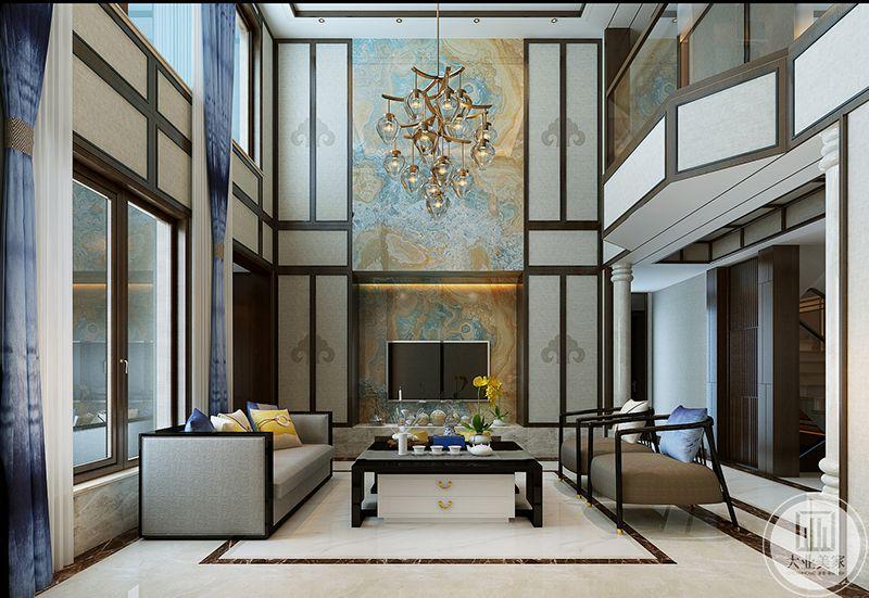 正式客厅是浅棕色和浅灰色的之色调,电视背景墙是棕色和蓝色的调和纹路的壁纸,十分复古。大大的茶几在两侧沙发中间
