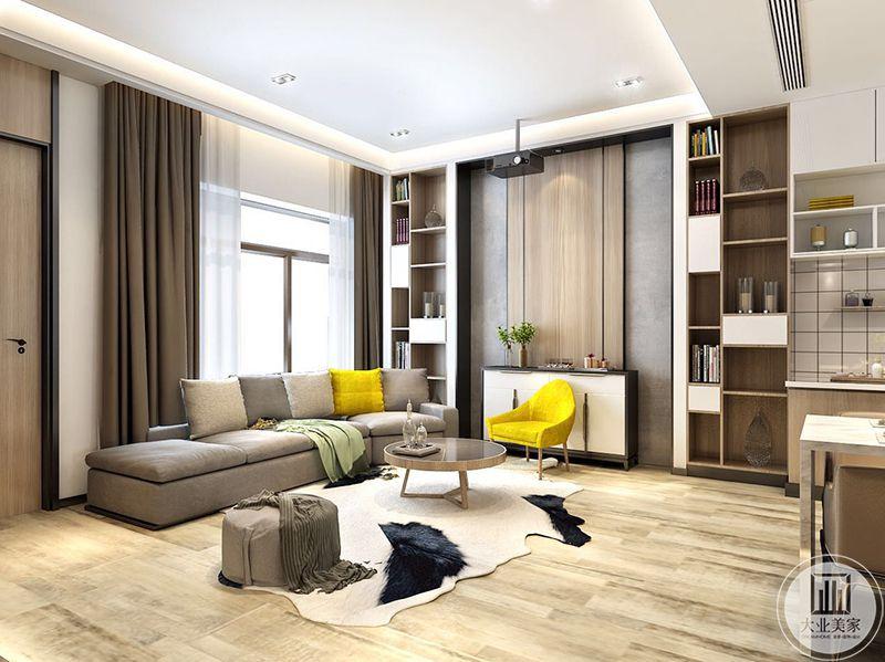 客厅沙发墙也是做成储物架的样式,大大提高了空间利用率,浅灰色的布艺沙发温馨舒适